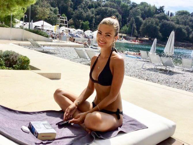 Софья Тартакова фотография на отдыхе