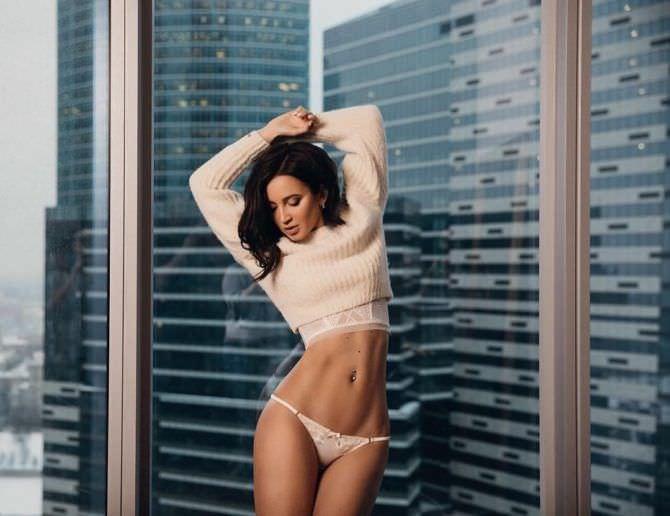 Ольга Бузова фото в свитере