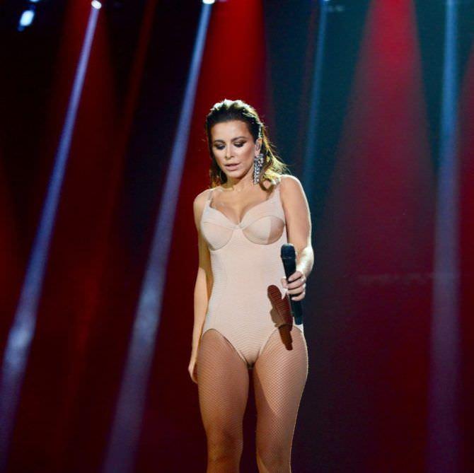 Ани Лорак фото на сцене