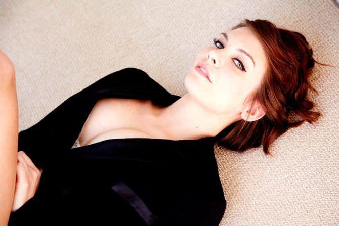 Лорен Коэн фотография в пиджаке