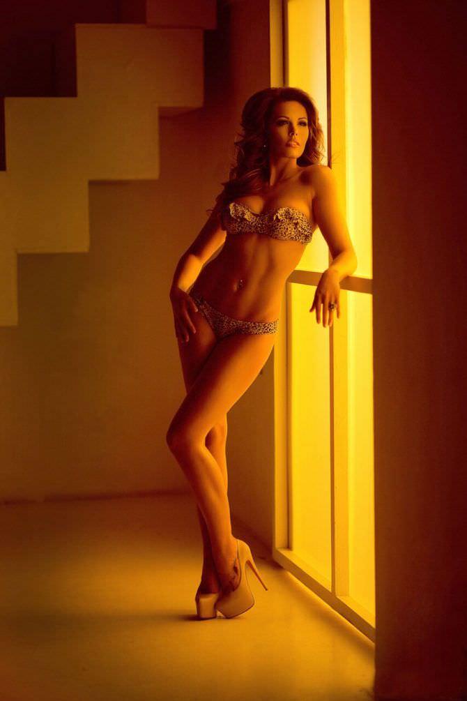 Мария Горбань фотосессия в купальнике