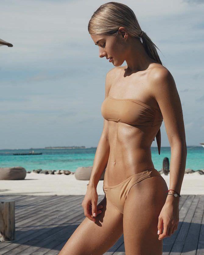Юлия Паршута фото на пляже