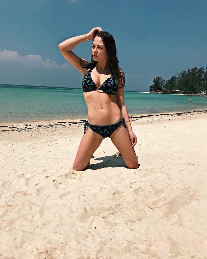 Ингрид Олеринская фото на пляже