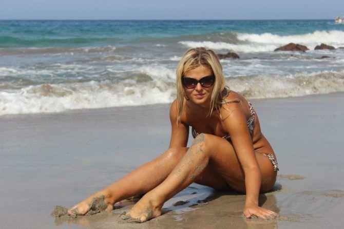 Софья Шуткина фотография на пляже