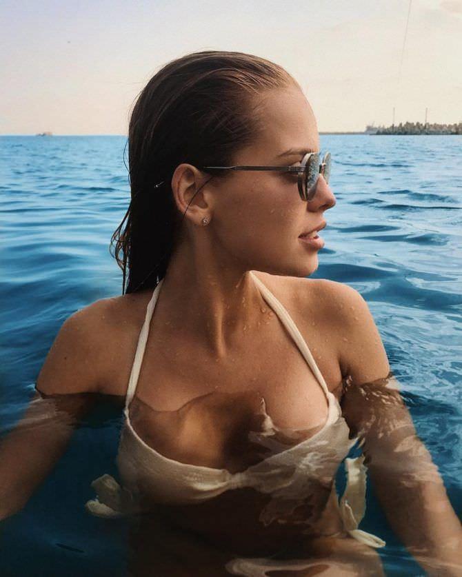 Дарья Клюкина фотография в воде