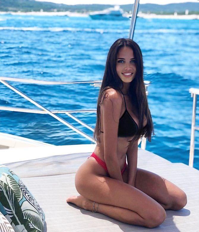 Анастасия Решетова фото на яхте