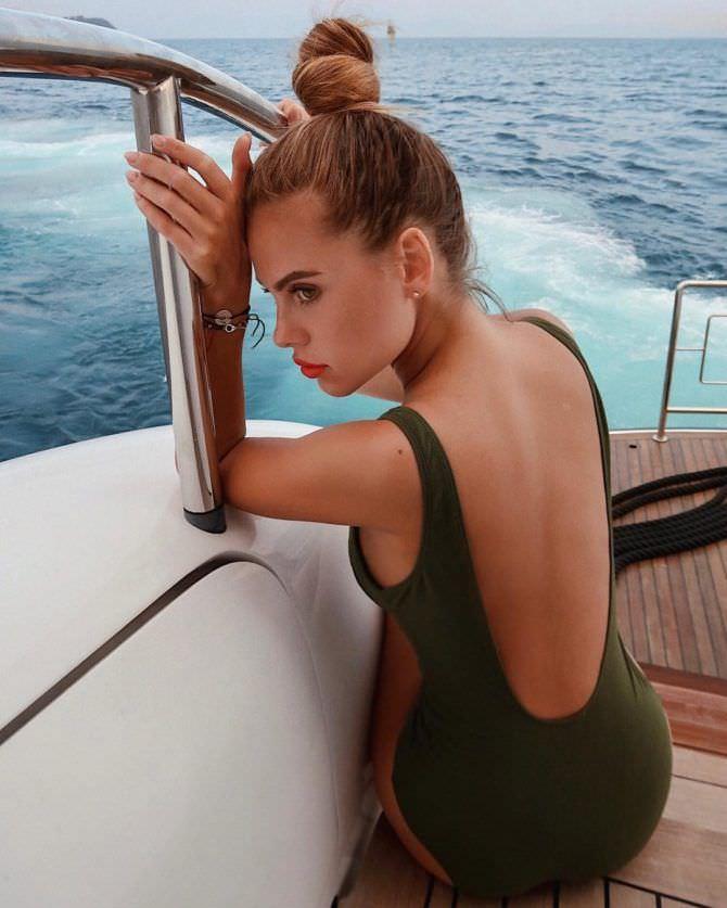 Дарья Клюкина фото со спины