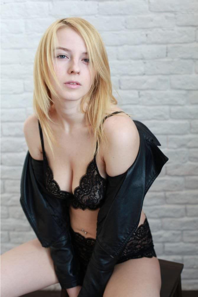 Ульяна Тригубчак фото в чёрном белье