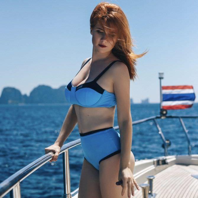Анна Чапман фото в бикини