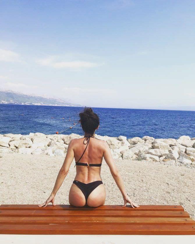 Александра Булычёва фотография на пляже
