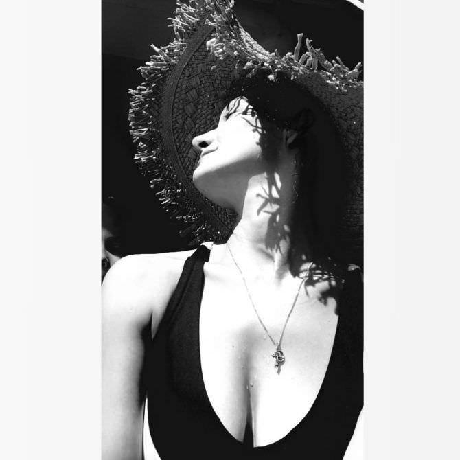 Екатерина Вилкова фото в шляпе