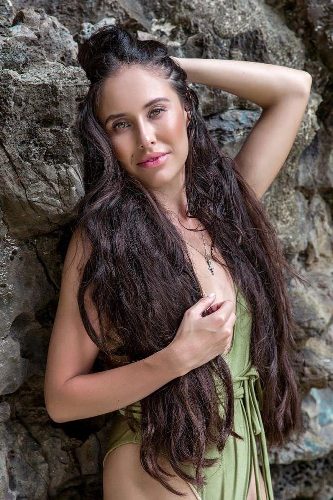 Илана Юрьева фото с длинными волосами