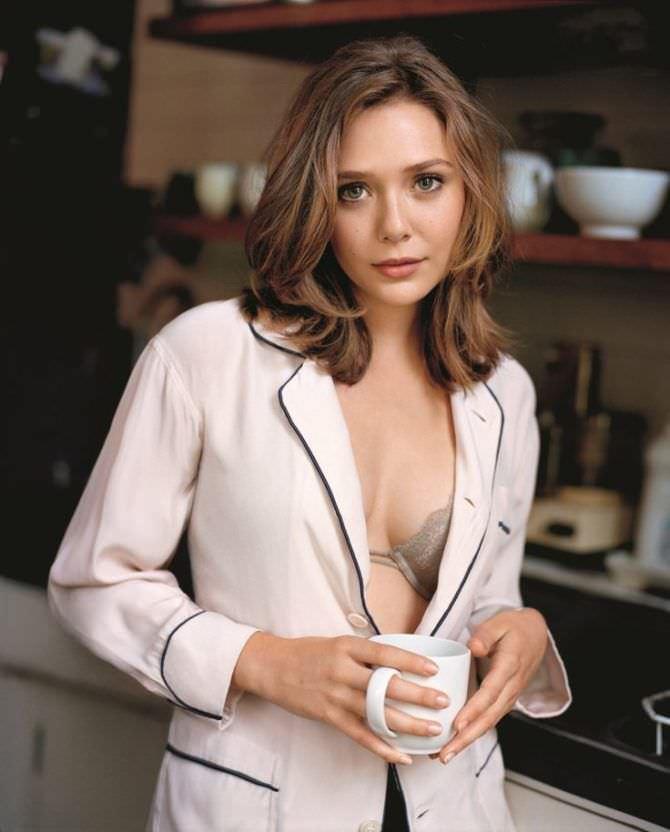 Элизабет Олсен фотография в пижаме