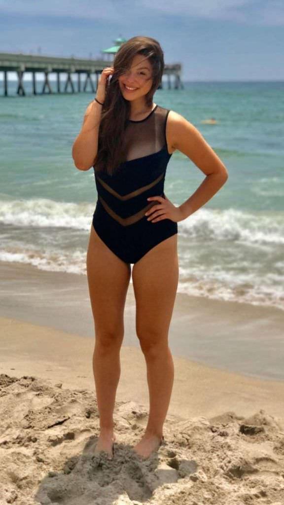 Кира Косарин фото на пляже