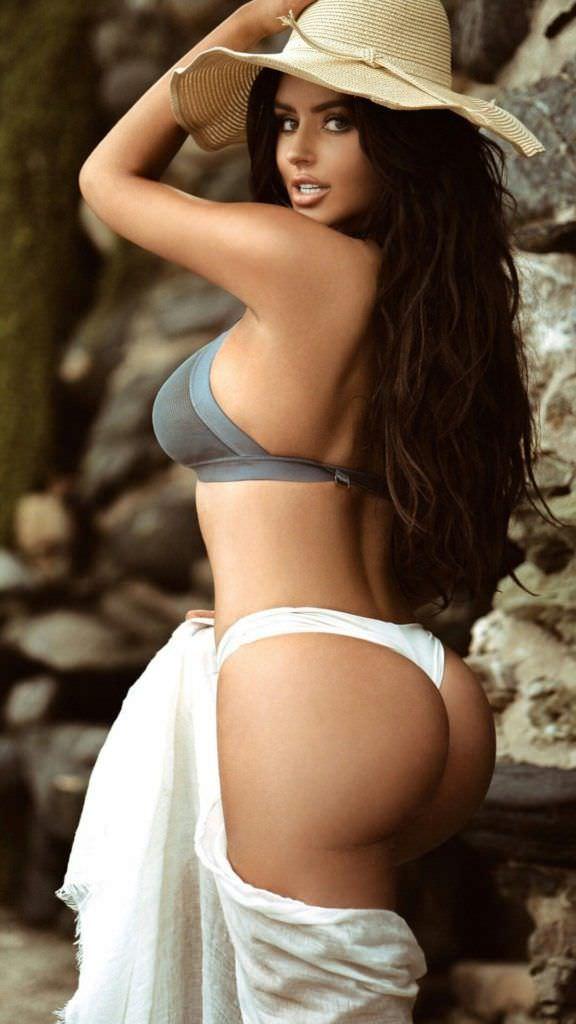 Абигейл Рэчфорд фотография в бикини