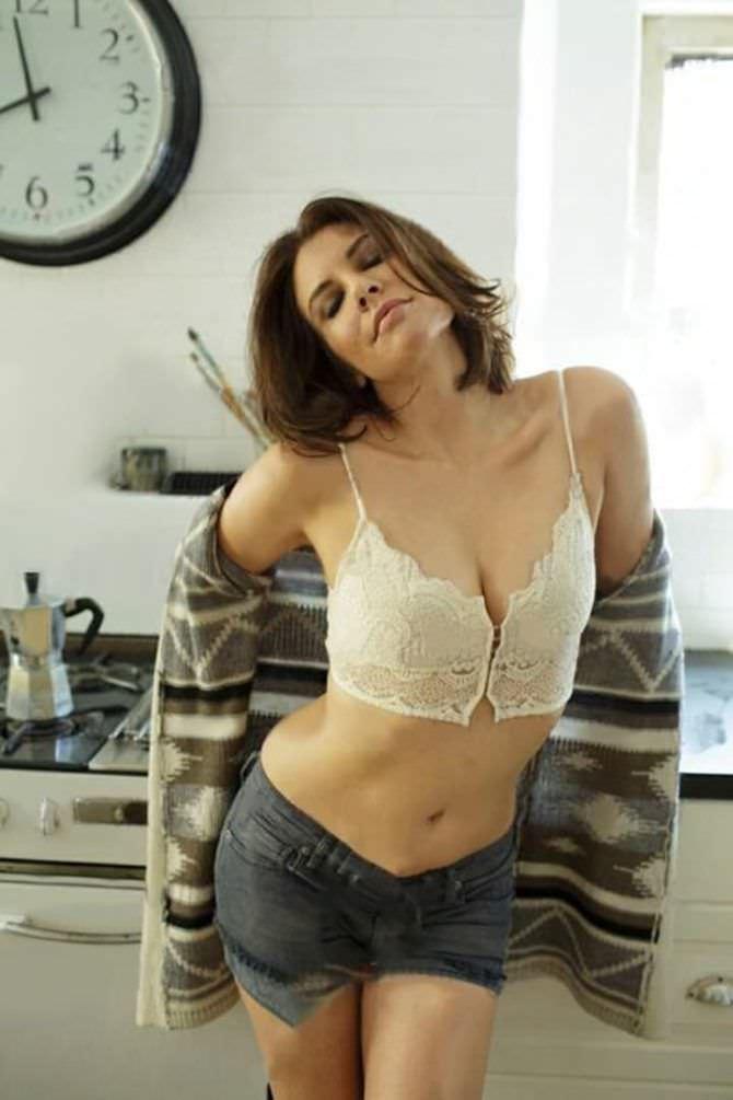 Лорен Коэн фото в белье