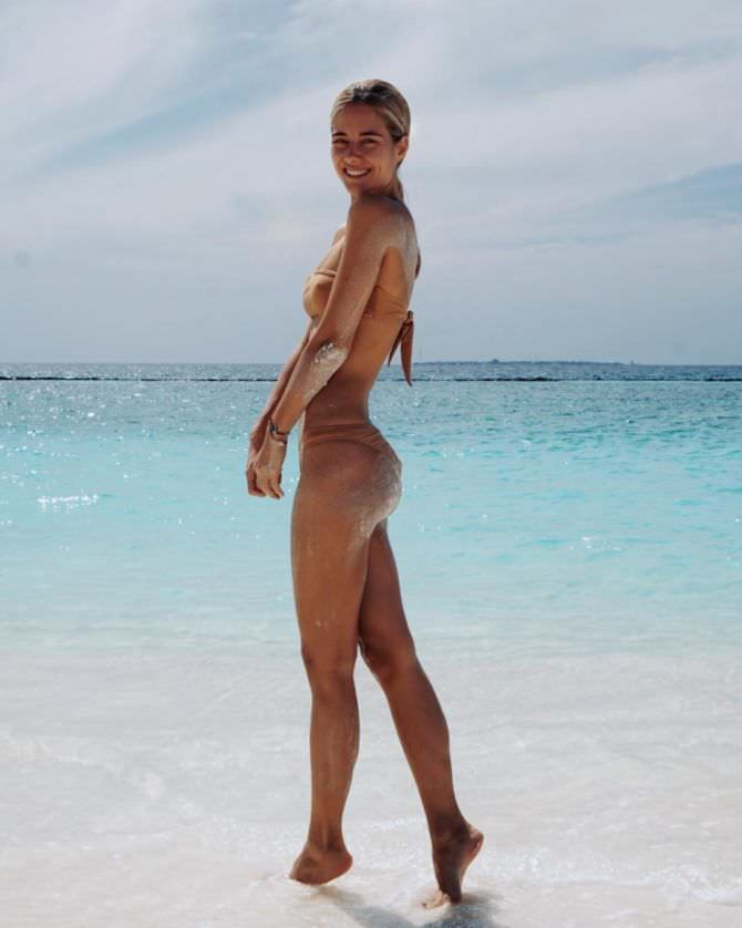 Юлия Паршута фото на берегу