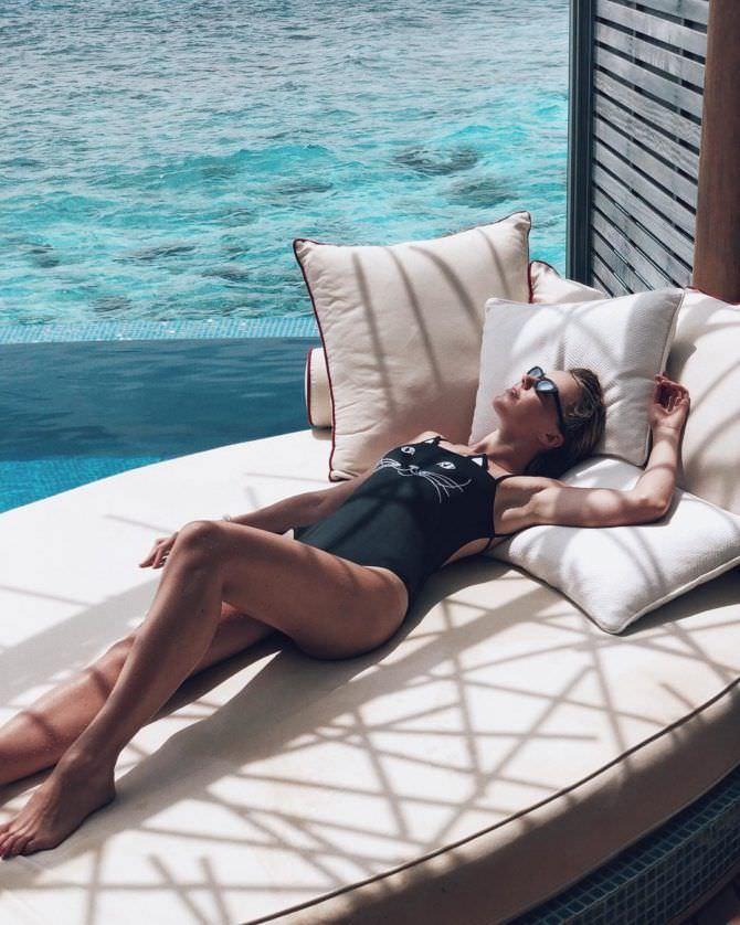 Юлианна Караулова фото на подушках