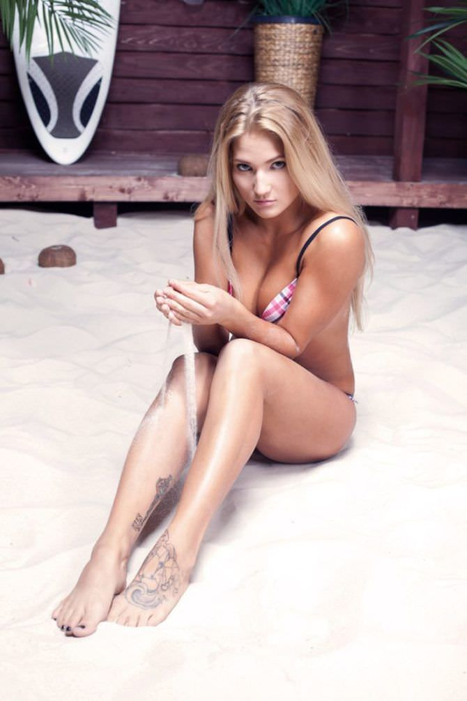 Анастасия Янькова фото с песком