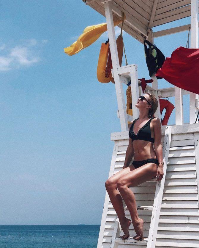 Юлианна Караулова фото на пляже