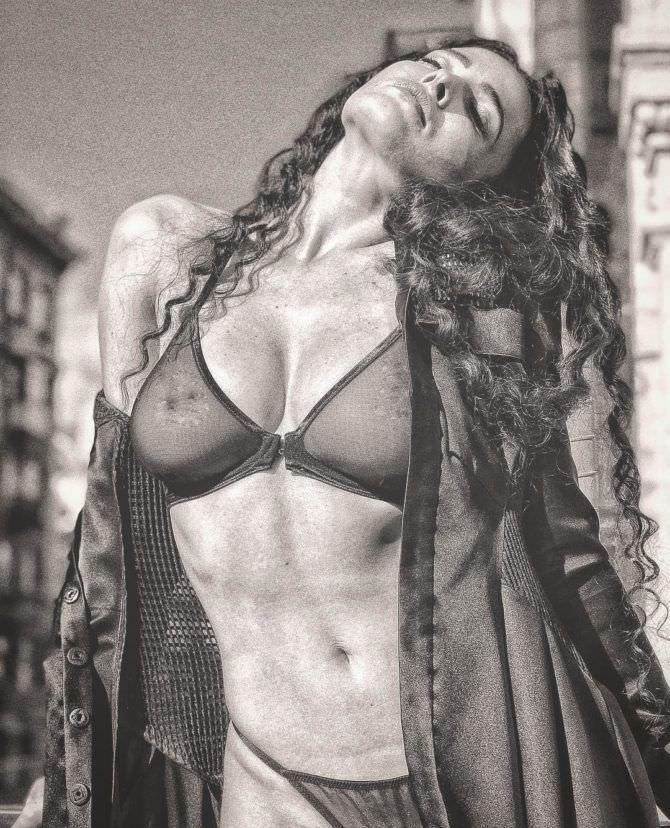 Даша Астафьева фото в прозрачном белье