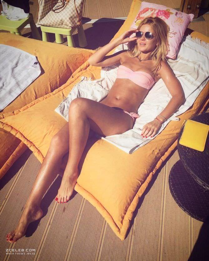 Екатерина Кузнецова фото в купальнике