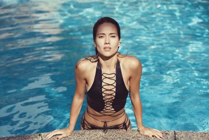 Юлия Паршута фото в бассейне