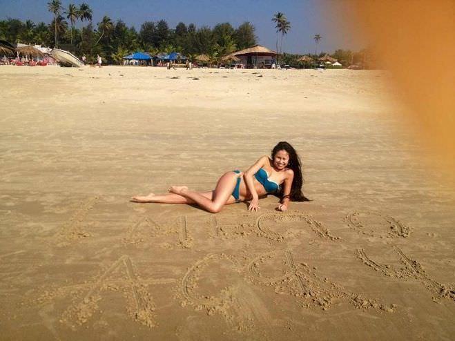 Илана Юрьева фото на песке