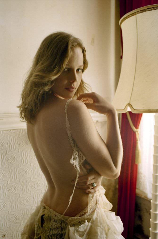 Эбби Корниш фотография в платье