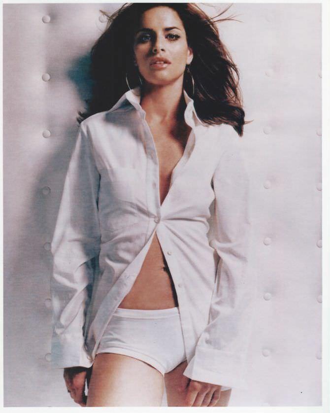 Аманда Пит фотосессия в рубашке