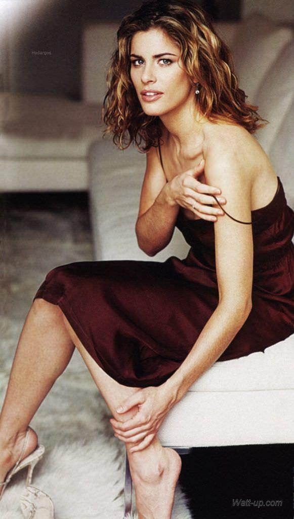 Аманда Пит фото в красном платье
