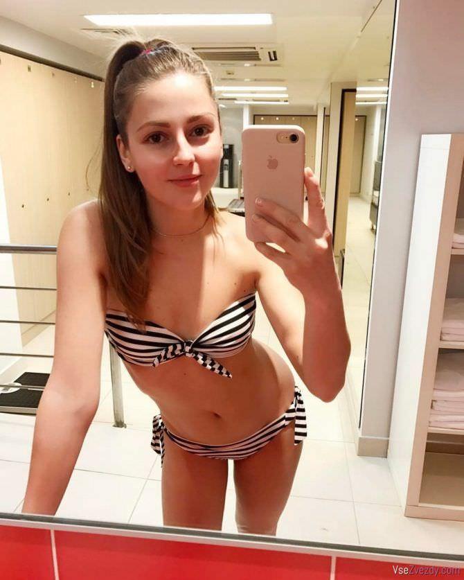 Анна Михайловская фото в зеркале
