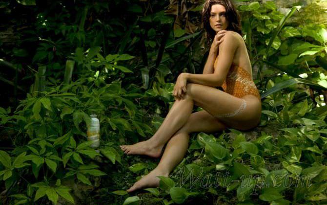 Эшли Грин фотосессия в купальнике