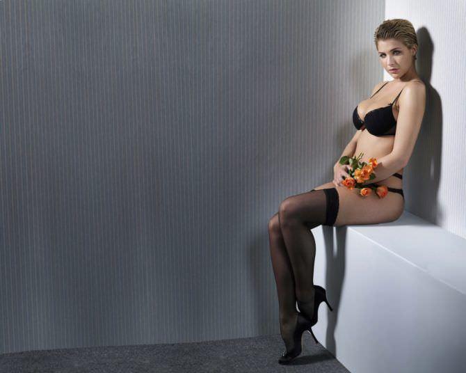 Джемма Аткинсон фото с розами