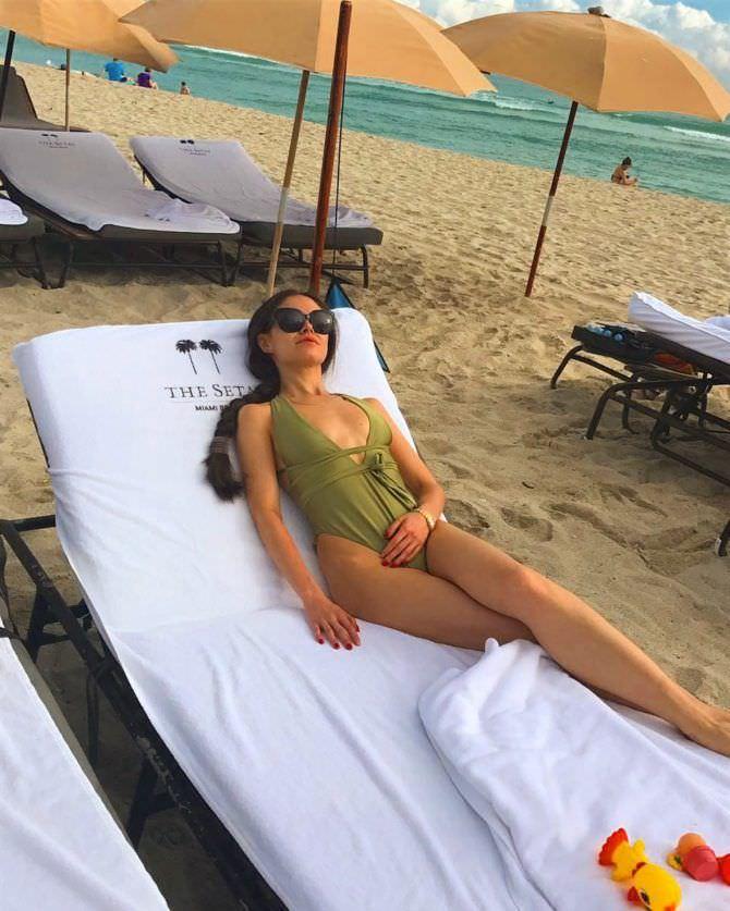 Илана Юрьева фотография на лежаке