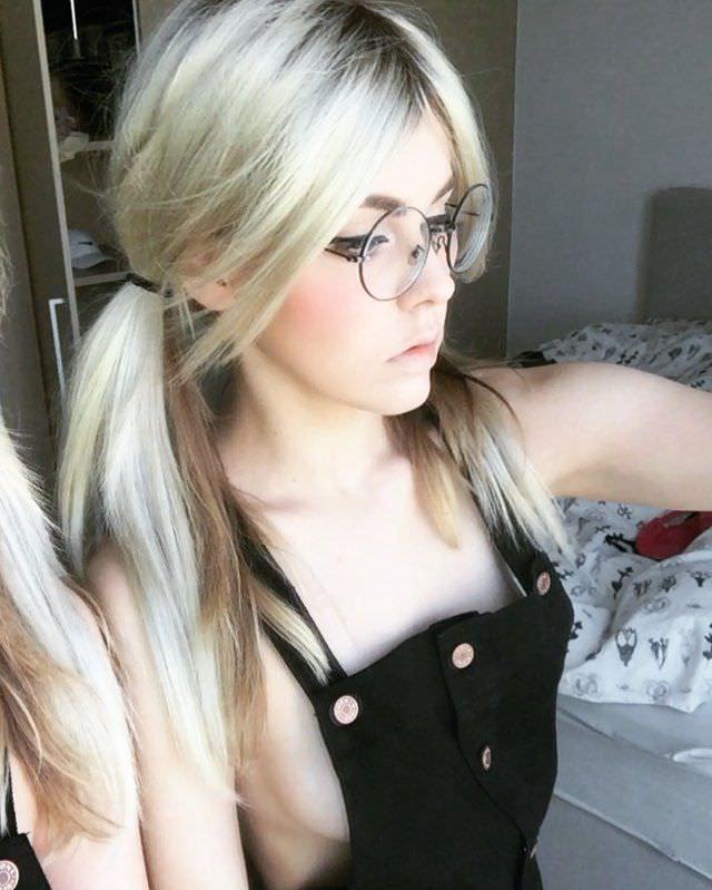 Алина Рин фотография в очках