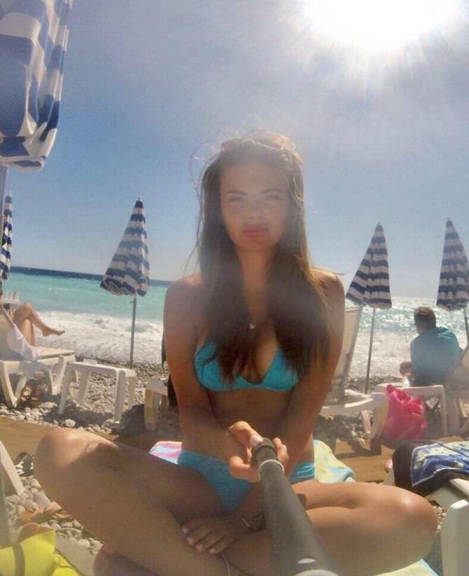 Софья Тартакова фото на пляже