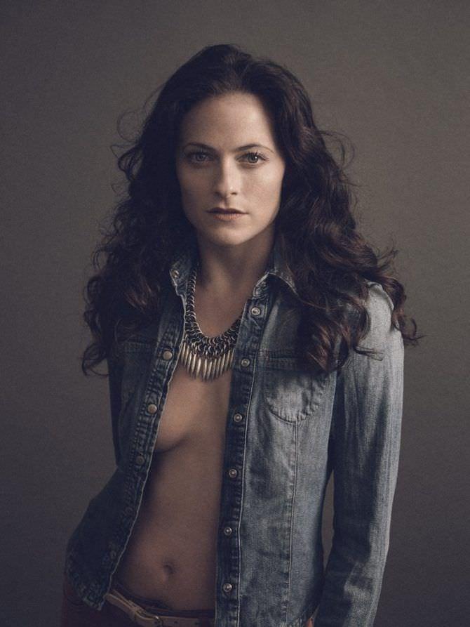 Лара Пулвер фотография в рубашке