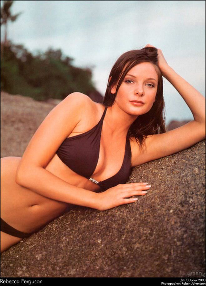 Ребекка Фергюсон фото на пляже