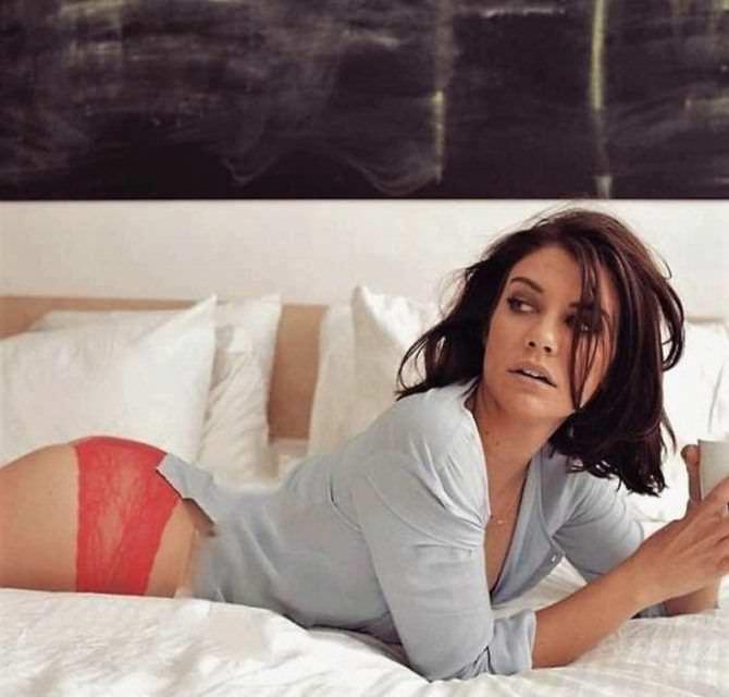 Лорен Коэн фото в красных трусах