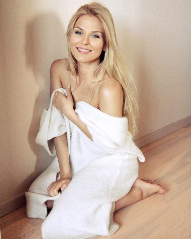 Софья Шуткина фотосессия в халате