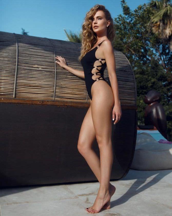 Наталья Ионова фотосессия в купальнике