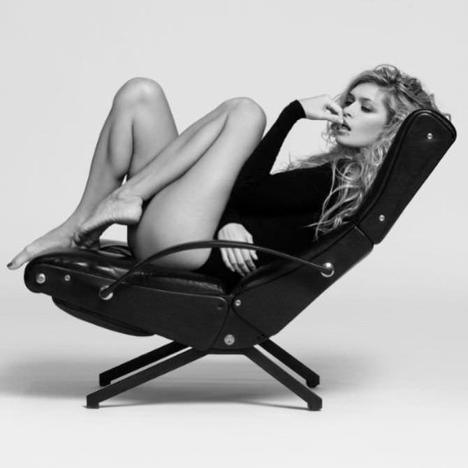 Вера Брежнева фото в кресле