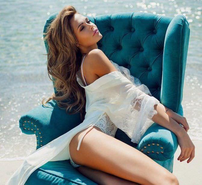 Мария Горбань фото на кресле