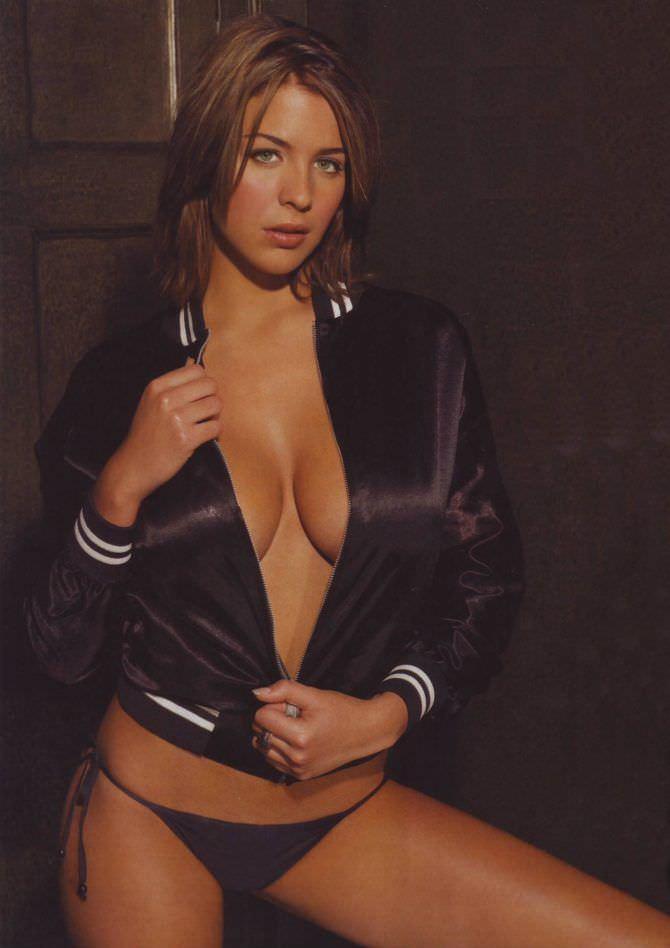 Джемма Аткинсон фото в бомбере