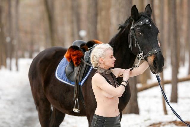 Ульяна Тригубчак фото с лошадью