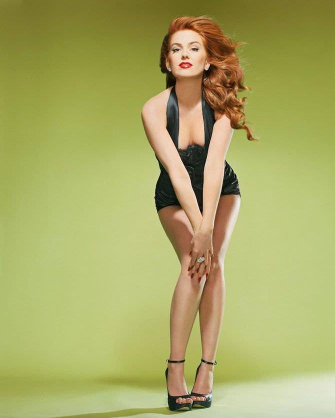 Айла Фишер фото в коротком платье