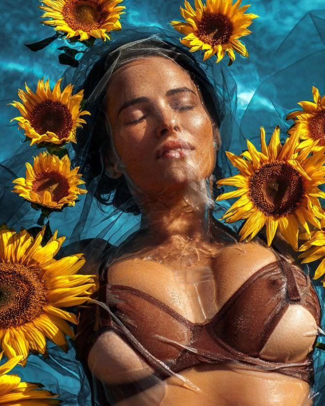 Даша Астафьева фото с цветами