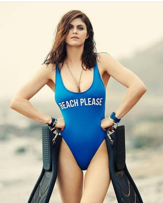 Александра Даддарио фото в спортивном купальнике