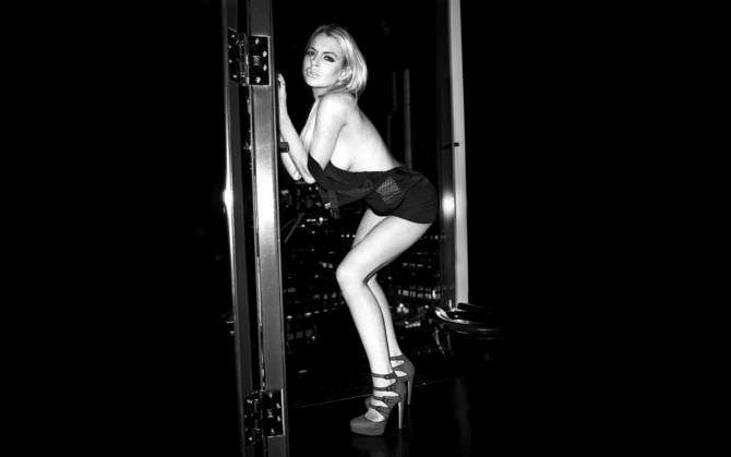 Линдси Лохан фотография в платье